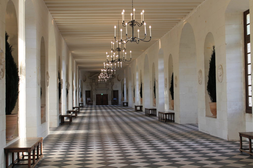 Галерея в замке