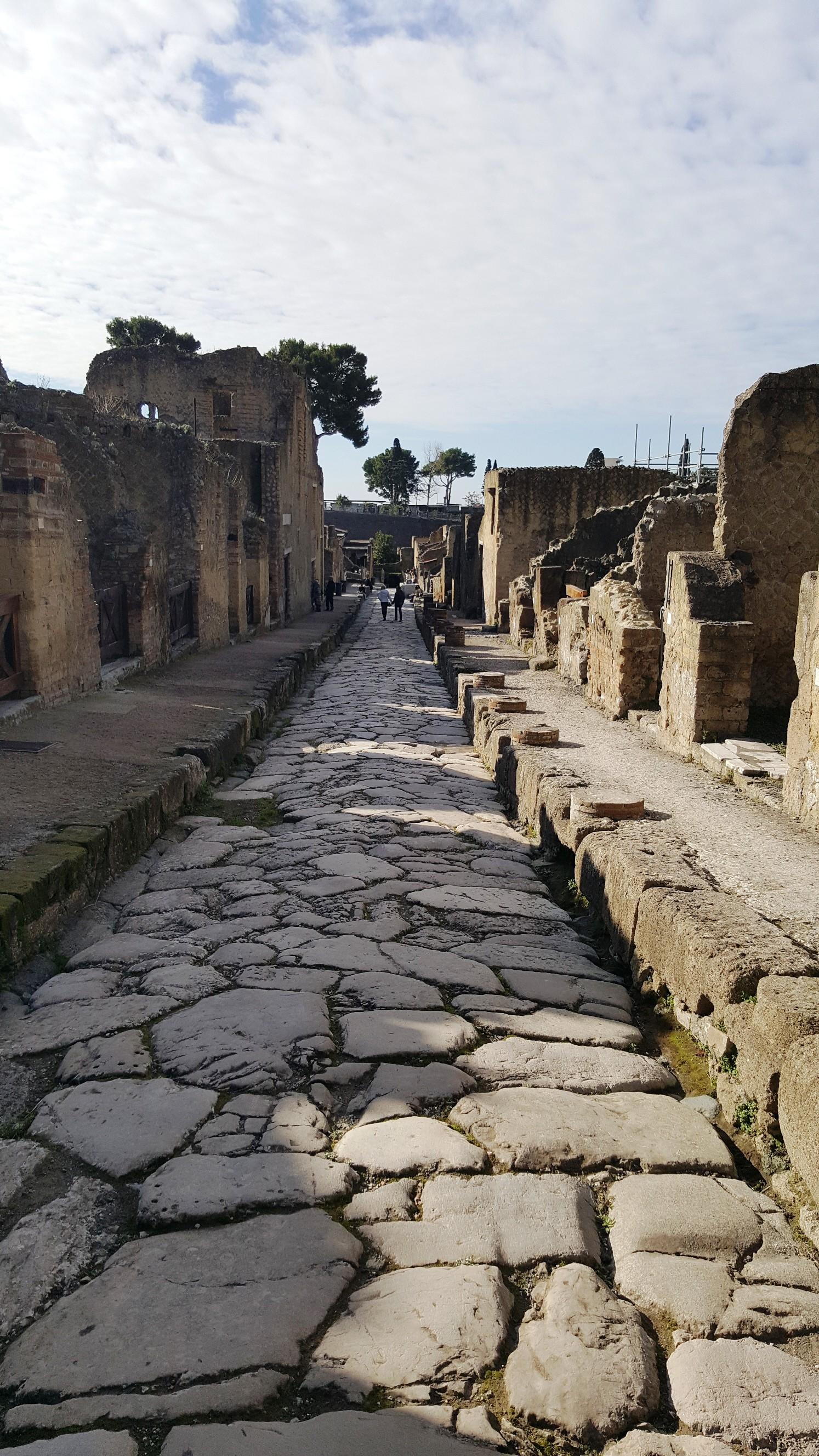 Древняя улица