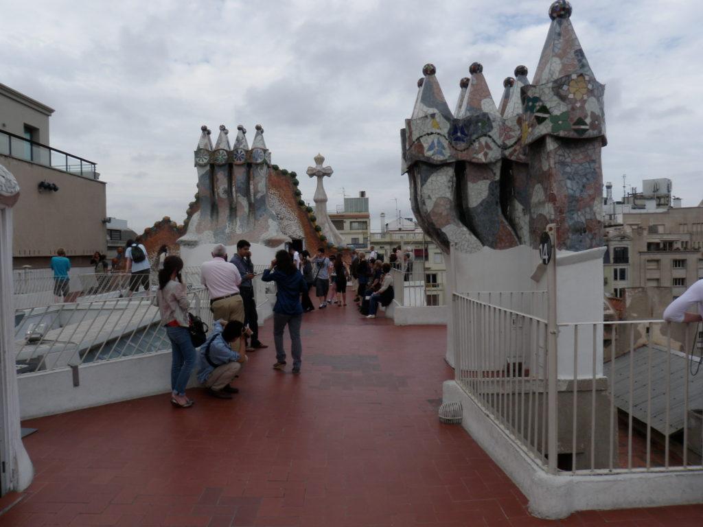 Причудливые трубы на крыше
