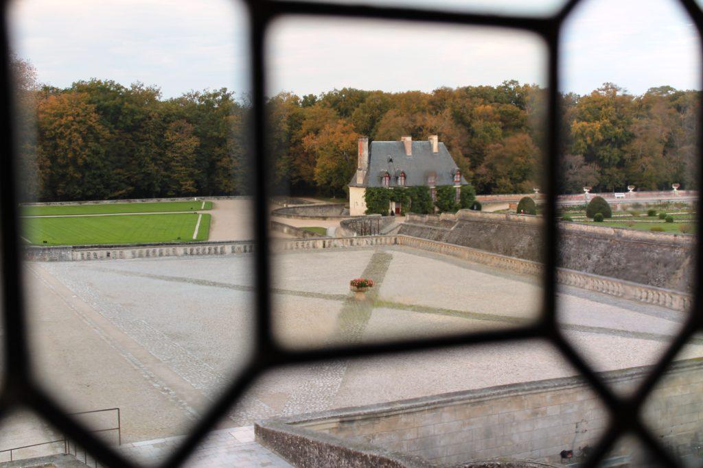 Замок Шенонсо. Вид на сад.
