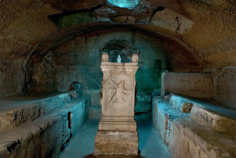 Языческий храм культа Митры