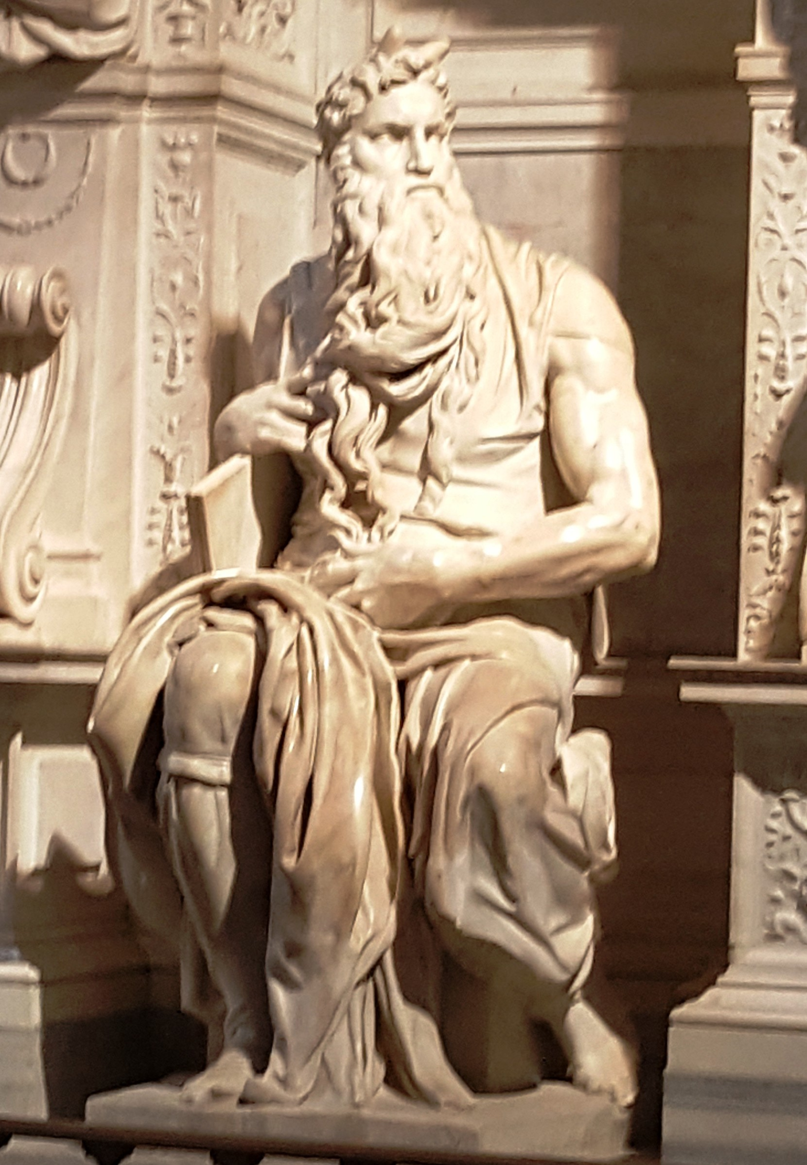 Скульптура Моисея