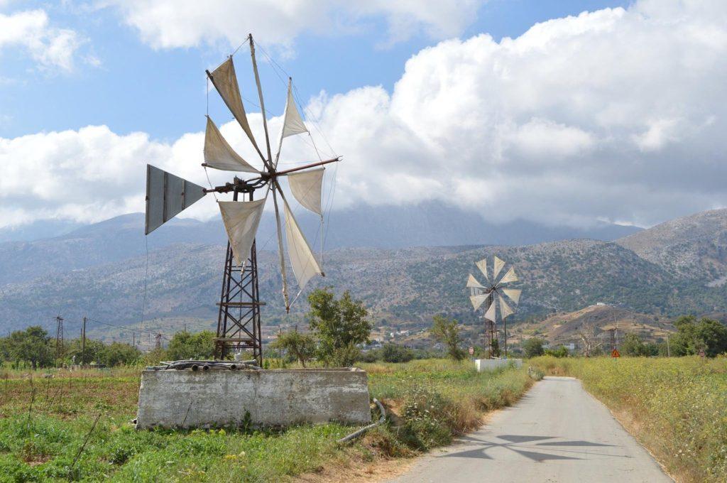 Ветряки на Ласситийском плато.
