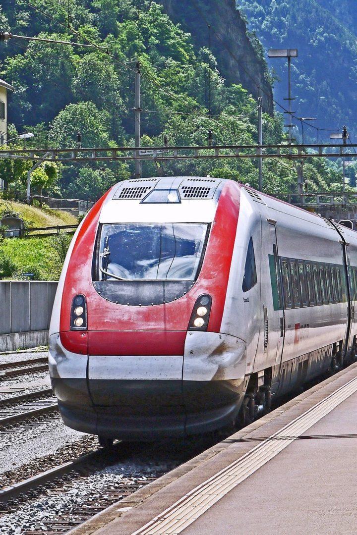 Расписание поездов в Швейцарии