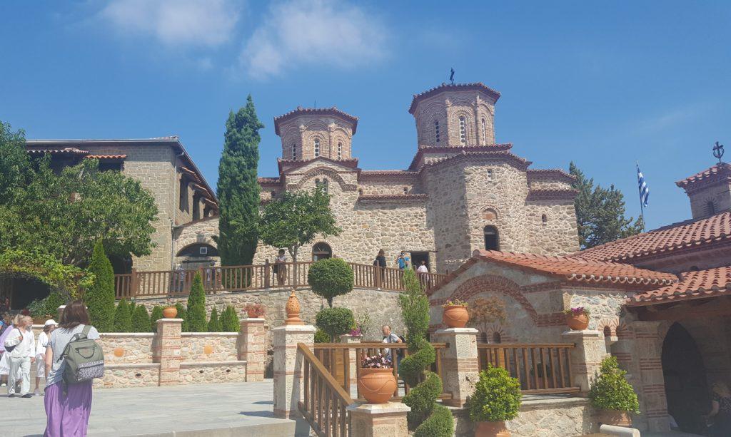 Площадь в монастыре Варлаама