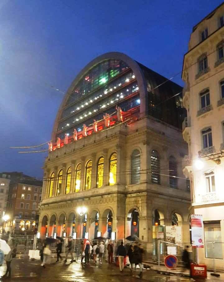 Здание оперы в Лионе