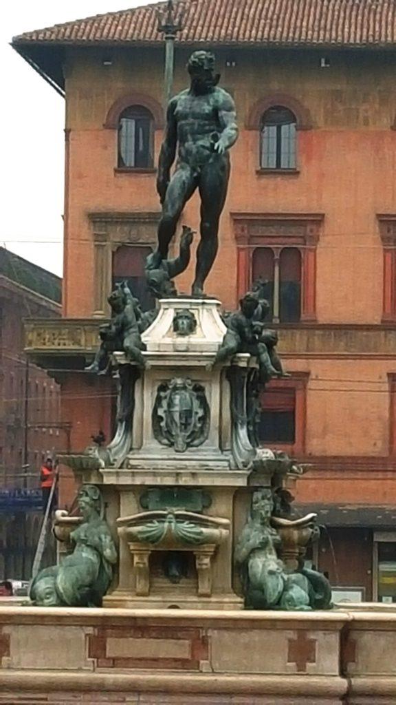 Фонтан Нептуна в Болонье
