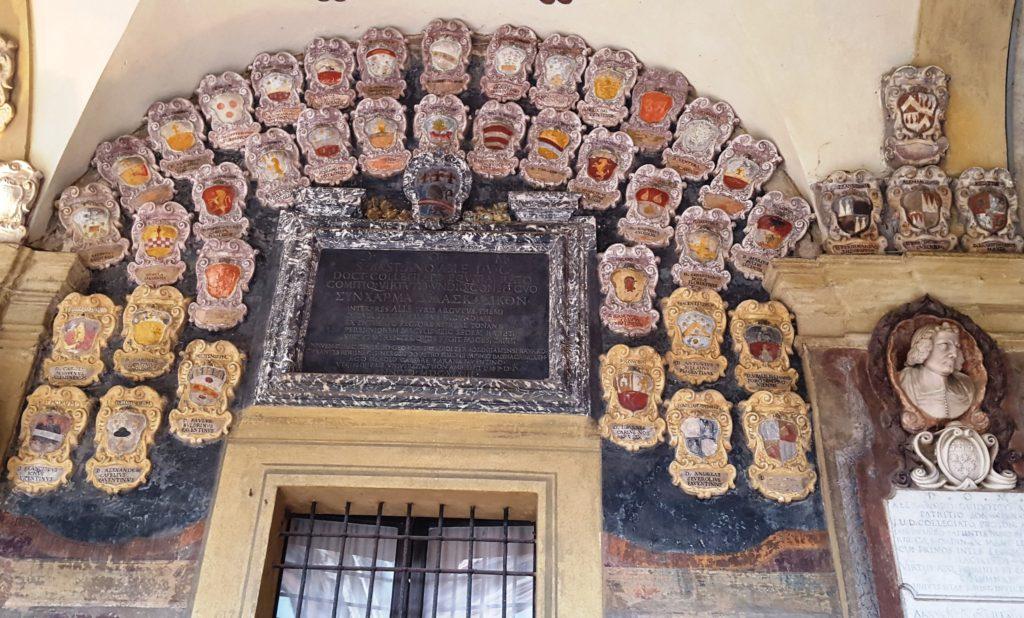 Гербы выпускников Болонского университета