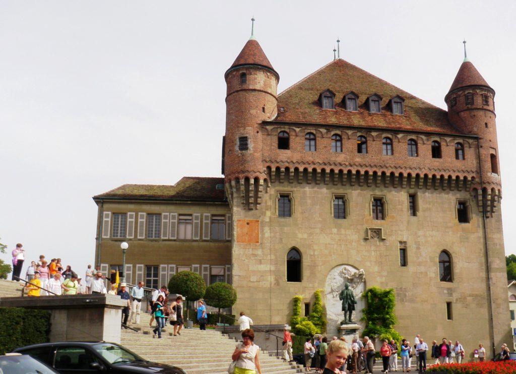 Замок Сен-Мер - резиденция правительства кантона Во