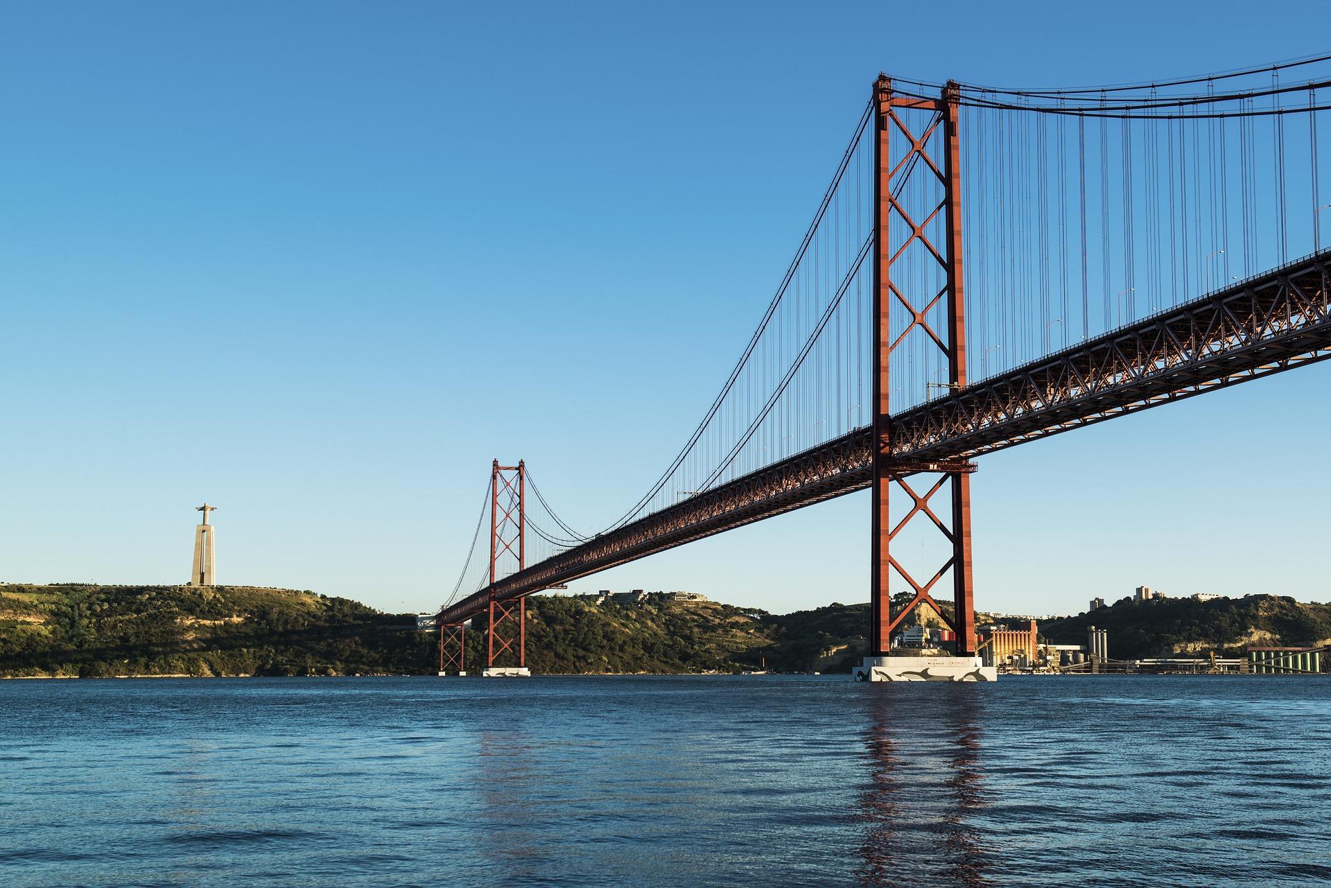 с какого места фотографировать мост в лиссабоне данном варианте