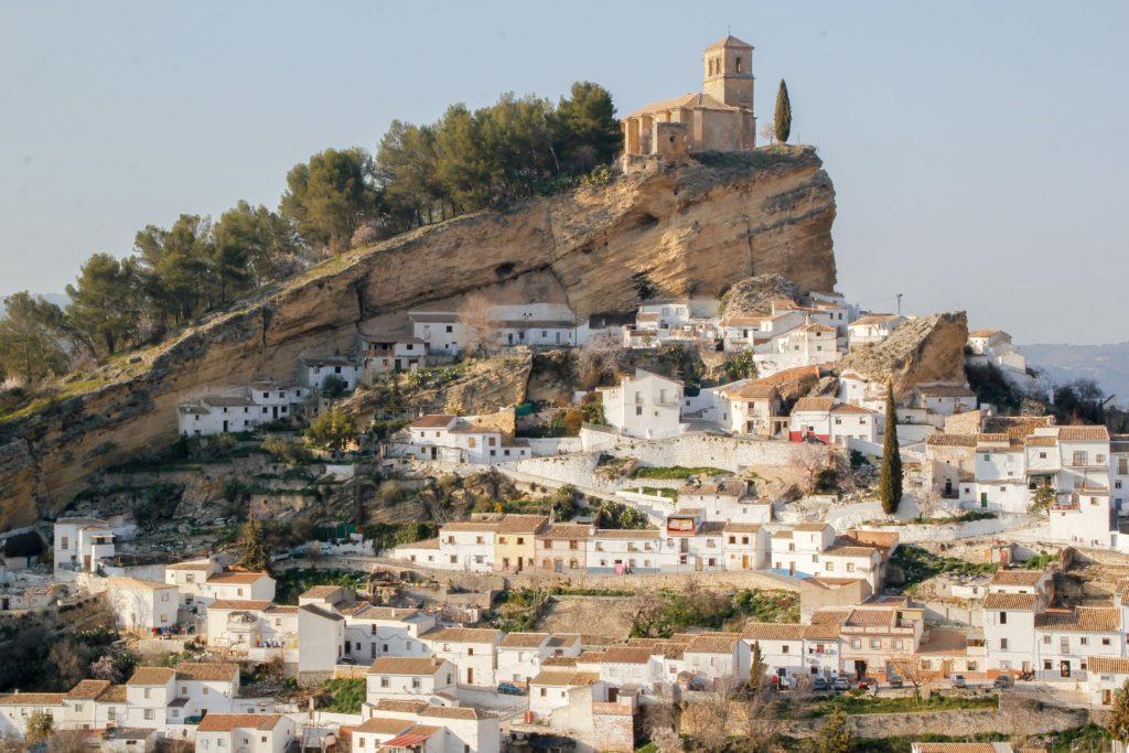 Деревня Монтефрио в Андалусии