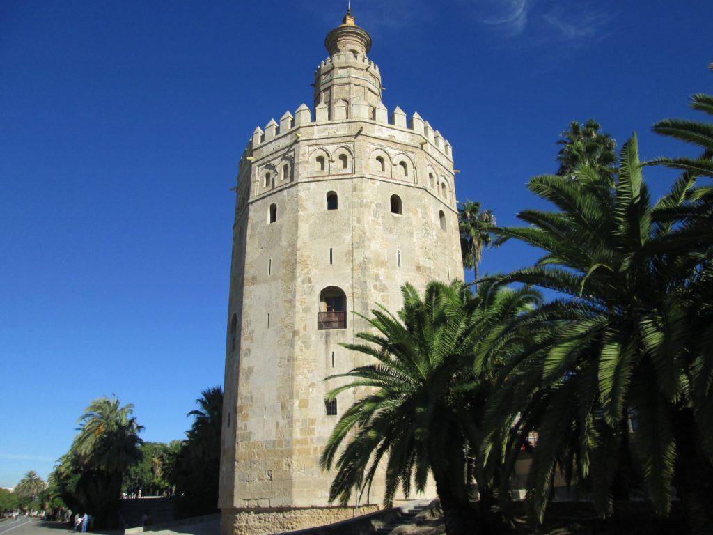 Торре-дель-Оро или Золотая башня в Севилье