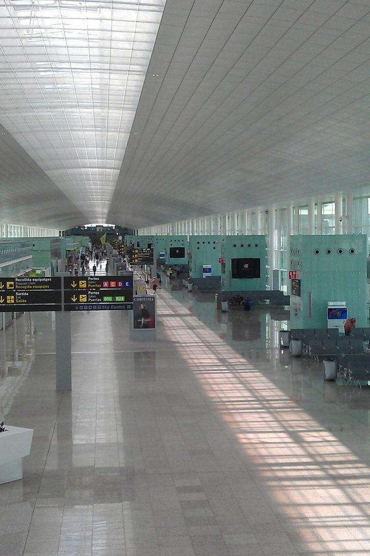 Как доехать из аэропорта в Барселону