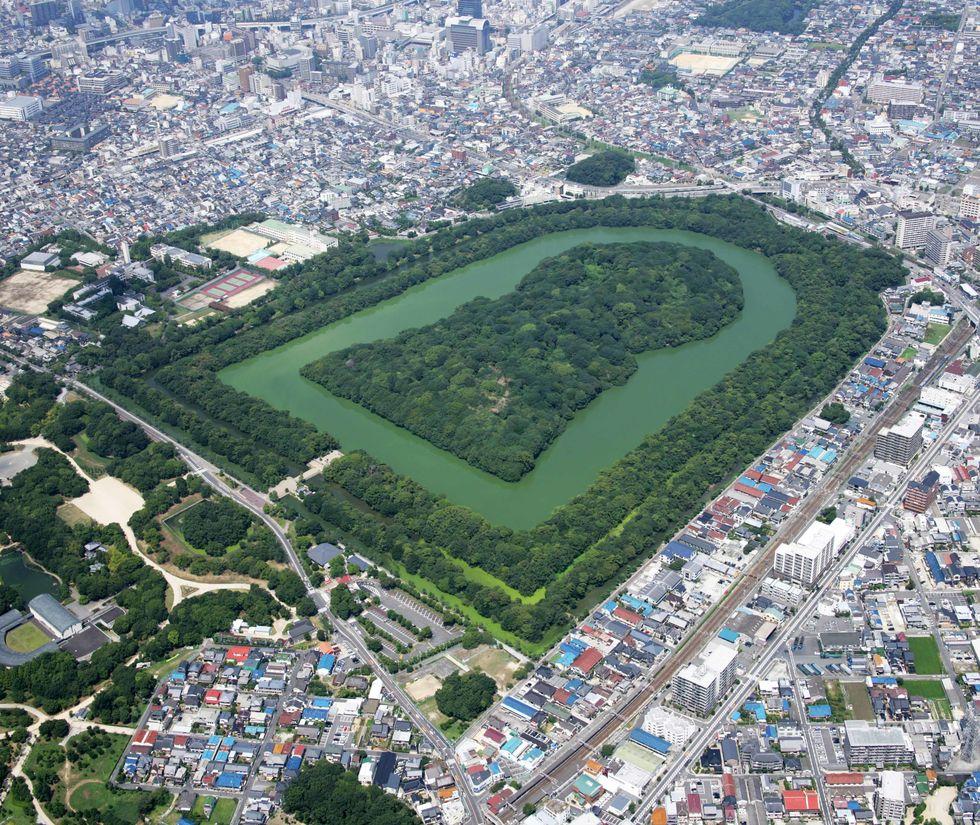 Нинтоку-тенно-рё Кофун сверху. Фото Городская управа Сакаи