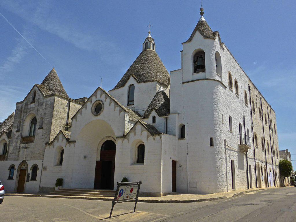 Церковь Сант'Антонио построена в том же стиле