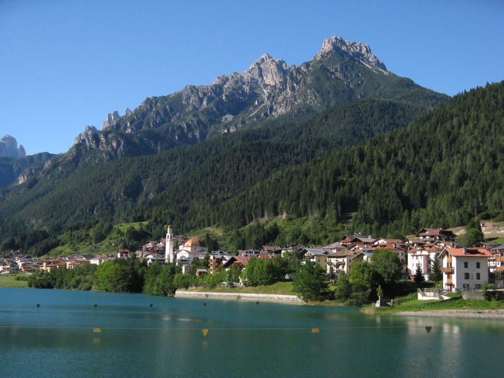 Озеро Мизурина рядом с Ауронцо-ди-Кадоре