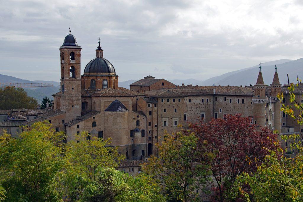 Средневековый замок в Урбино