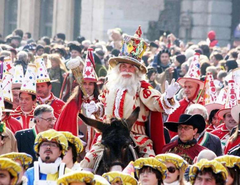 Папа Ньокки - главный персонаж карнавала в Вероне