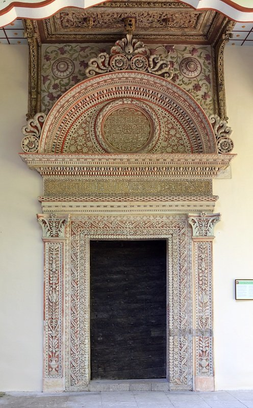 Портал железных дверей